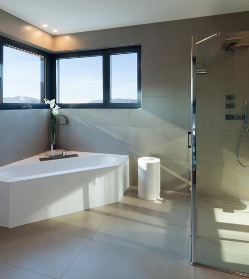 Réalisation d'une extension de salle de bain en bardage bois sur Toulouse.