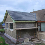 Extension de maison en briques.